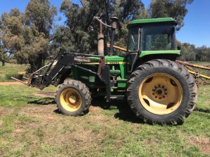 John Deere 4250 Tractor With Challenge Front End Loader