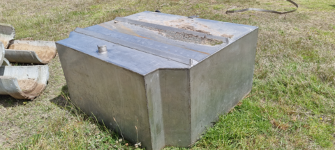 STAINLESS STEEL TANK 1300 X 1500 X 700MM