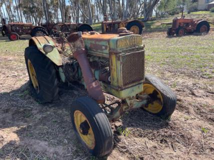 John Deere BR Model Tractor