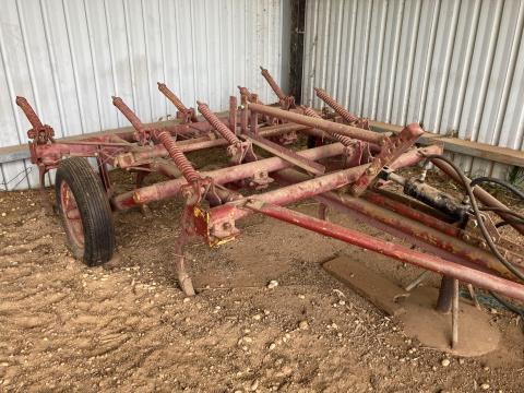 Trailing 9 Tyne Chisel Plough