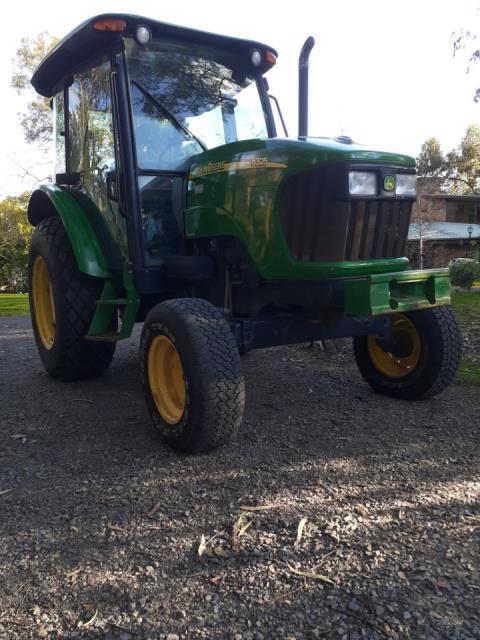 2005 John Deere 5325 Tractor