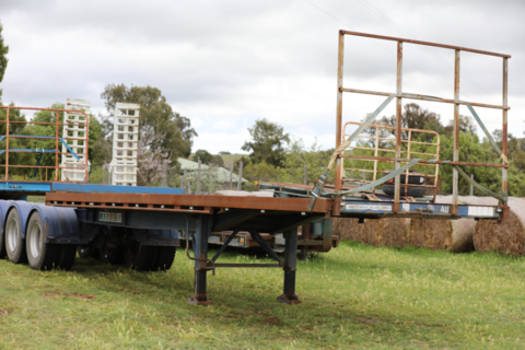8m Krueger flat top/container skel A Trailer