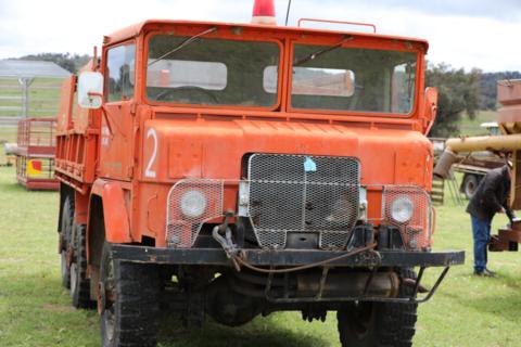 International 6X6 ex army truck