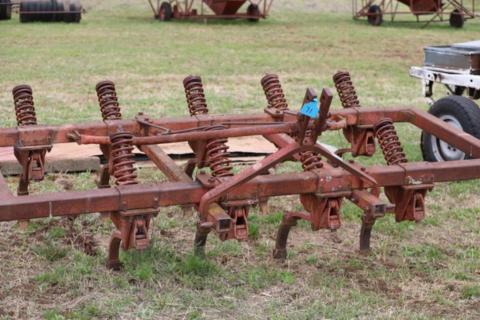 Massey Ferguson 3PL chisel plough