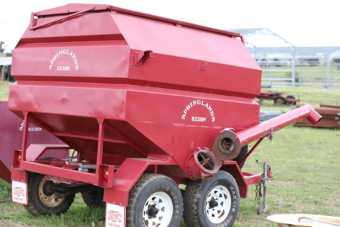 Byrne feeder filler on bogie trailer