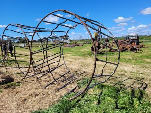 Single Hay Ring (B)