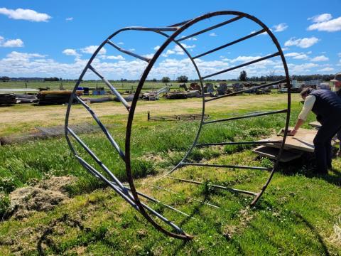 Single Hay Ring (F)
