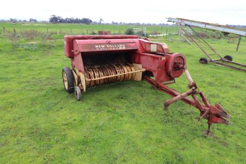 New Holland Hayliner 68 small square baler