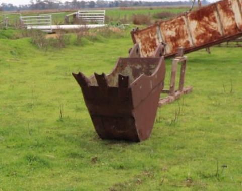Excavator drenching bucket 56cm wide x 110cm high,