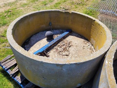 Concrete Trough with Float Valve (A)