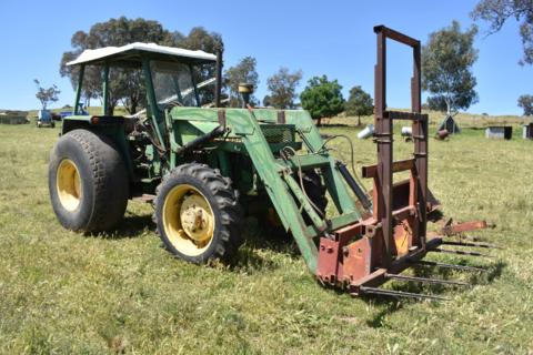John Deere 2250 tractor