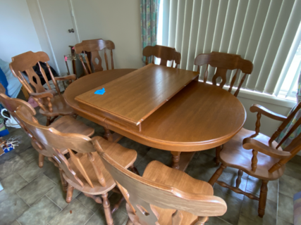 8 seat dining table and chairs with extension