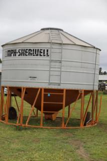 Sherwell 28 t mobile field bin