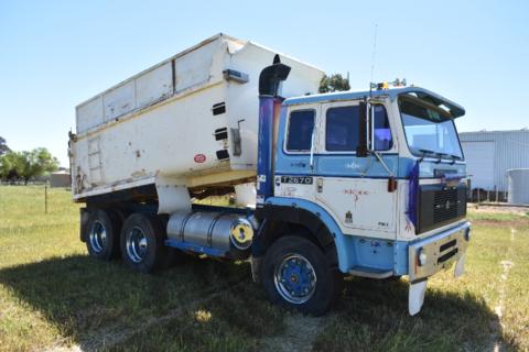 International T2670 tipper truck