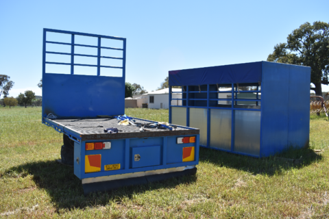 Truck tray & cattle crate