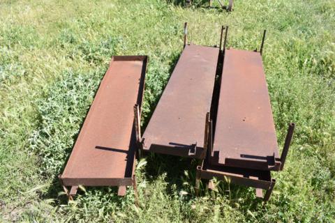 5x feed trays