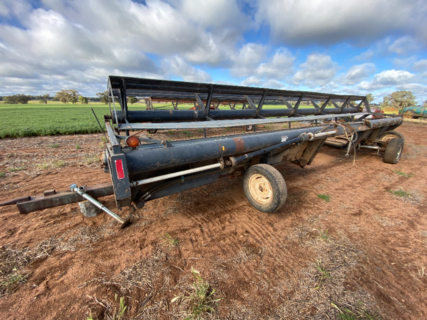 MacDon Windrower front