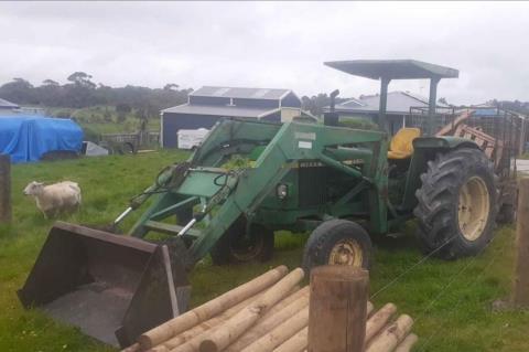 John Deere 2030 Tractor with Loader
