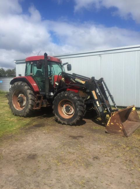 2001 Case MX100 Tractor