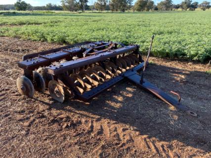 Una beam disc plough
