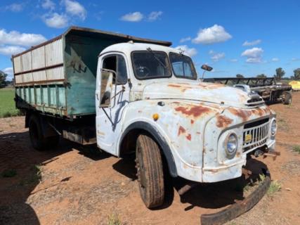 Morris Tipper Truck