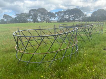 6 Hay Rings