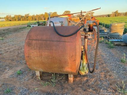 Fuel tank 1500lt - on ground