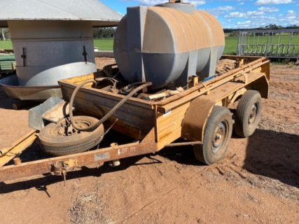 Trailer with 1000lt tank