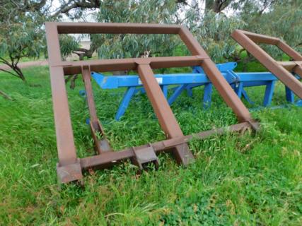 Deep ripper frame