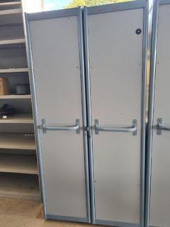 DOUBLE DOOR WORKSHOP CABINET