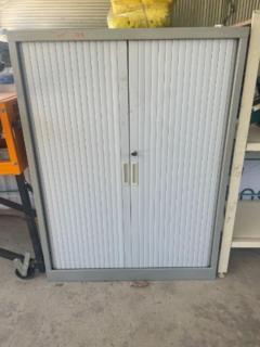 LOCKABLE ROLLER DOOR STORAGE CABINET