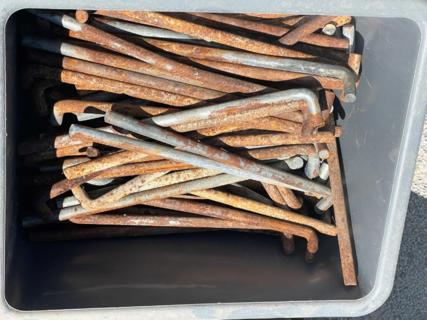 TUB OF CATTLEYARD PINS